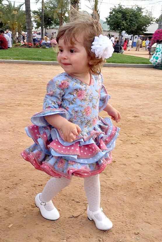 Traje de gitana para niña flamenca estampado flores