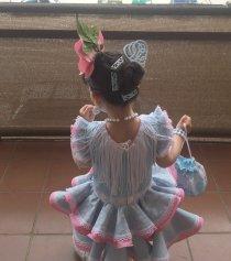 Traje de gitana flamenca para niña estampado azul cachemir mibebesito